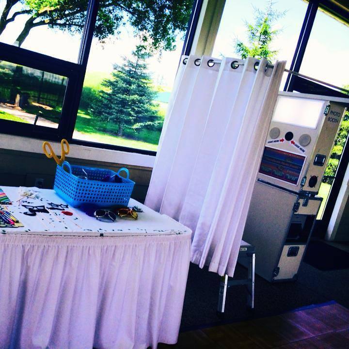 Grand Rapids Wedding Rentals: Photo Booth Rental Grand Rapids Mi Super Fun Super Fast